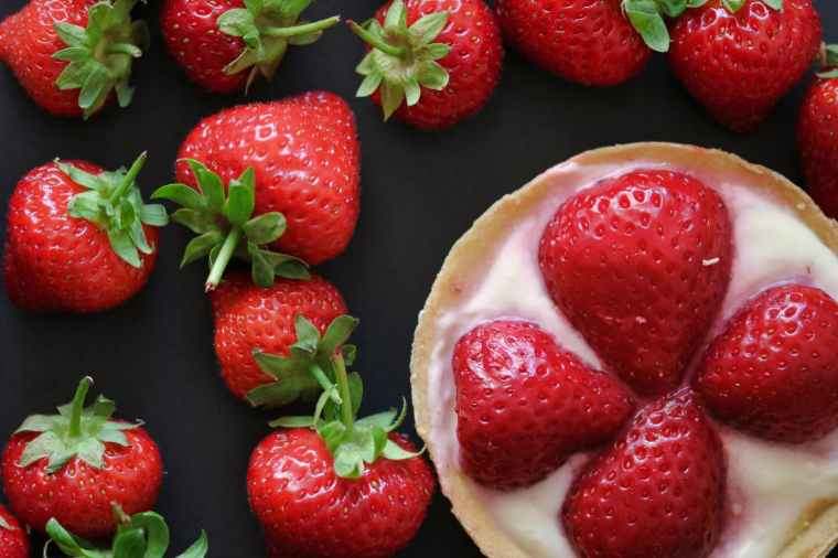 top view photo of strawberries